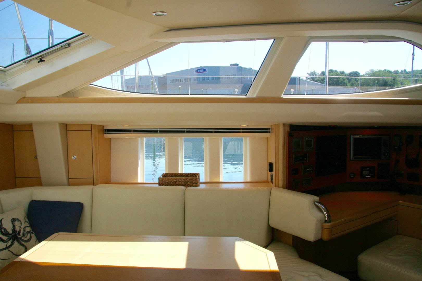 2011 Oyster 63' 625 Deck Saloon BANDIDO | Picture 5 of 38
