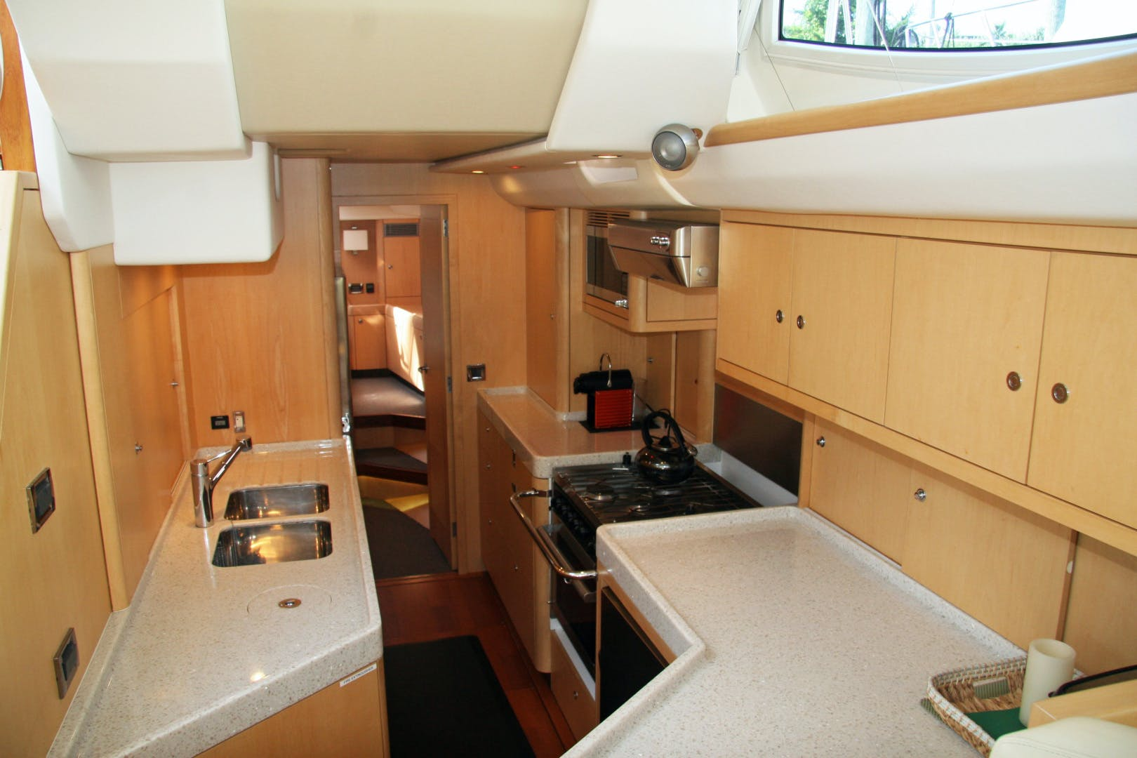 2011 Oyster 63' 625 Deck Saloon BANDIDO | Picture 6 of 38