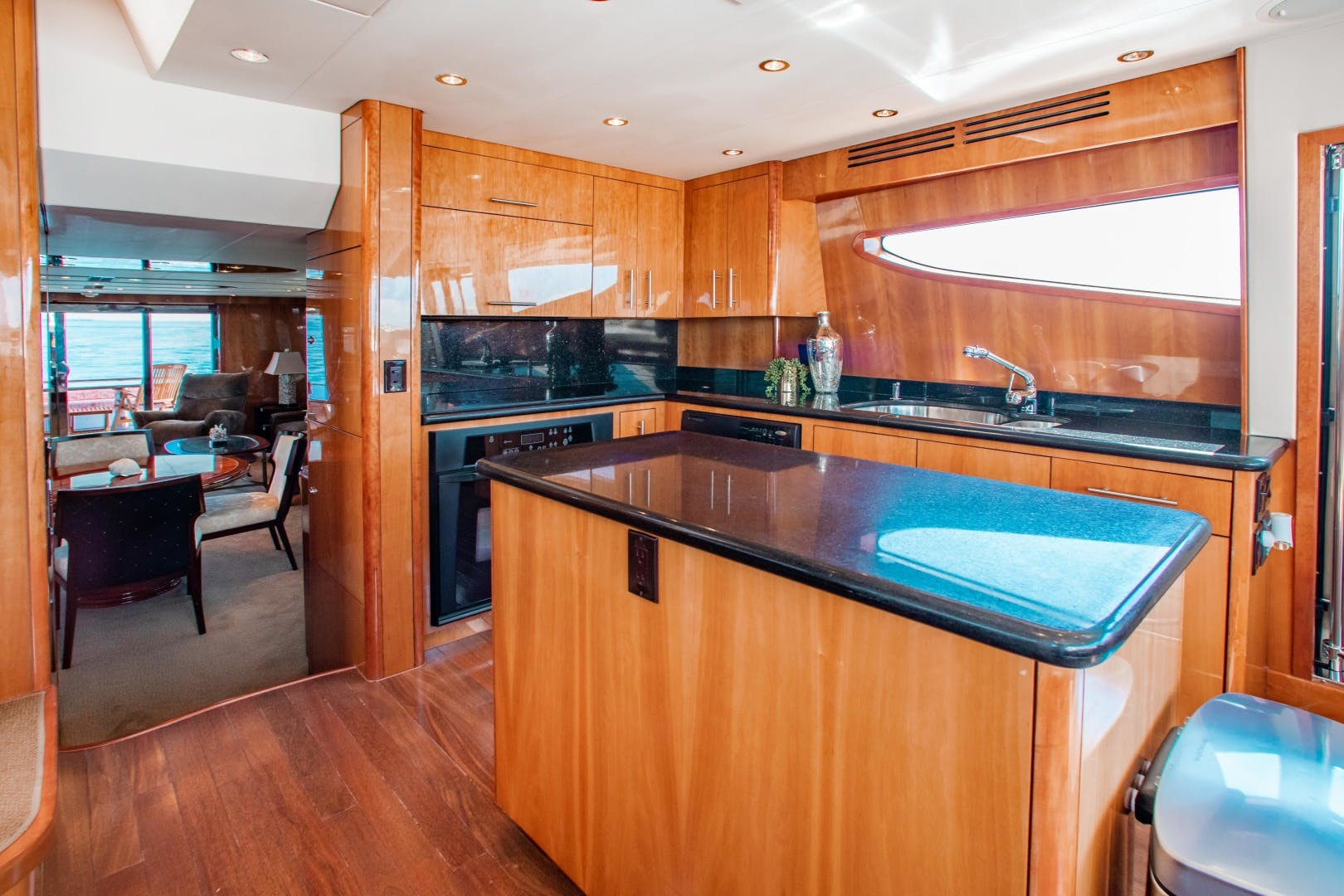 2008 Hatteras 80' 80 Motor Yacht Galati Yacht Sales Trade   Picture 3 of 67
