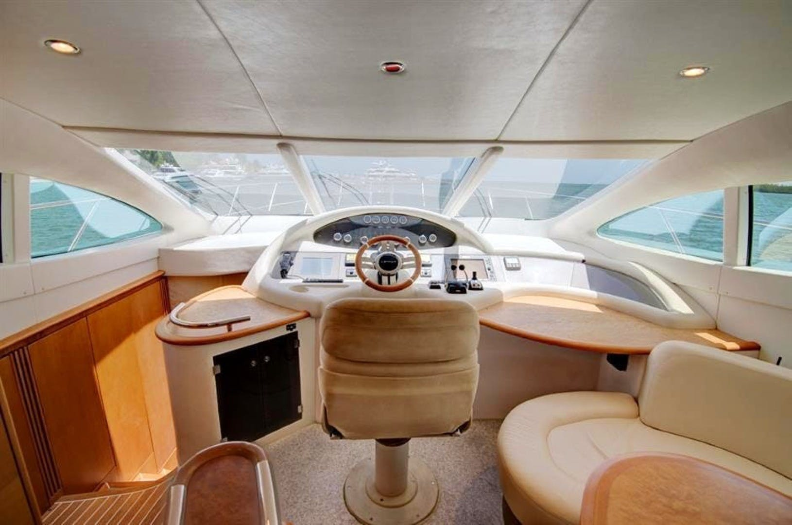 2008 Azimut 68' 680 Full Our Trade   Picture 4 of 43