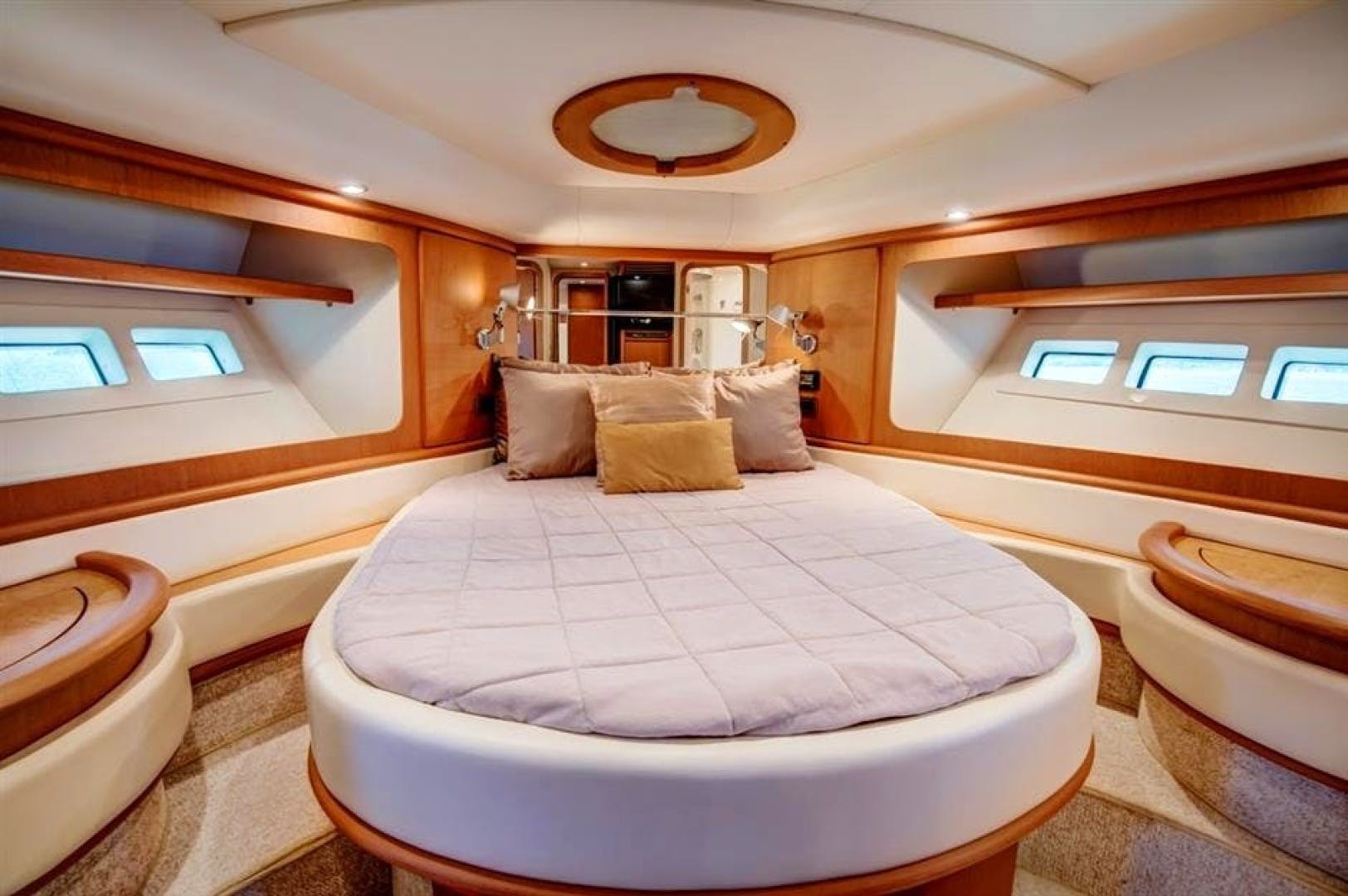2008 Azimut 68' 680 Full Our Trade   Picture 2 of 43