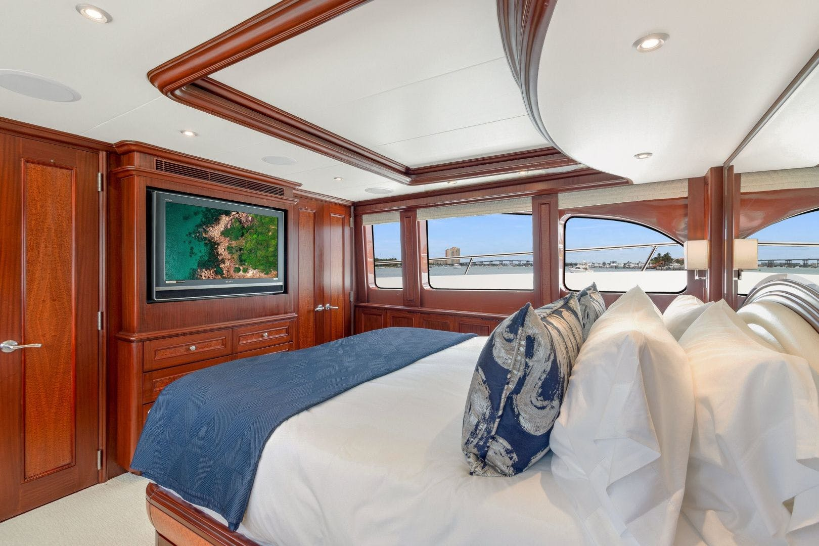 2007 Cheoy Lee 100' Cockpit Motor Yacht  Happiness | Picture 5 of 87