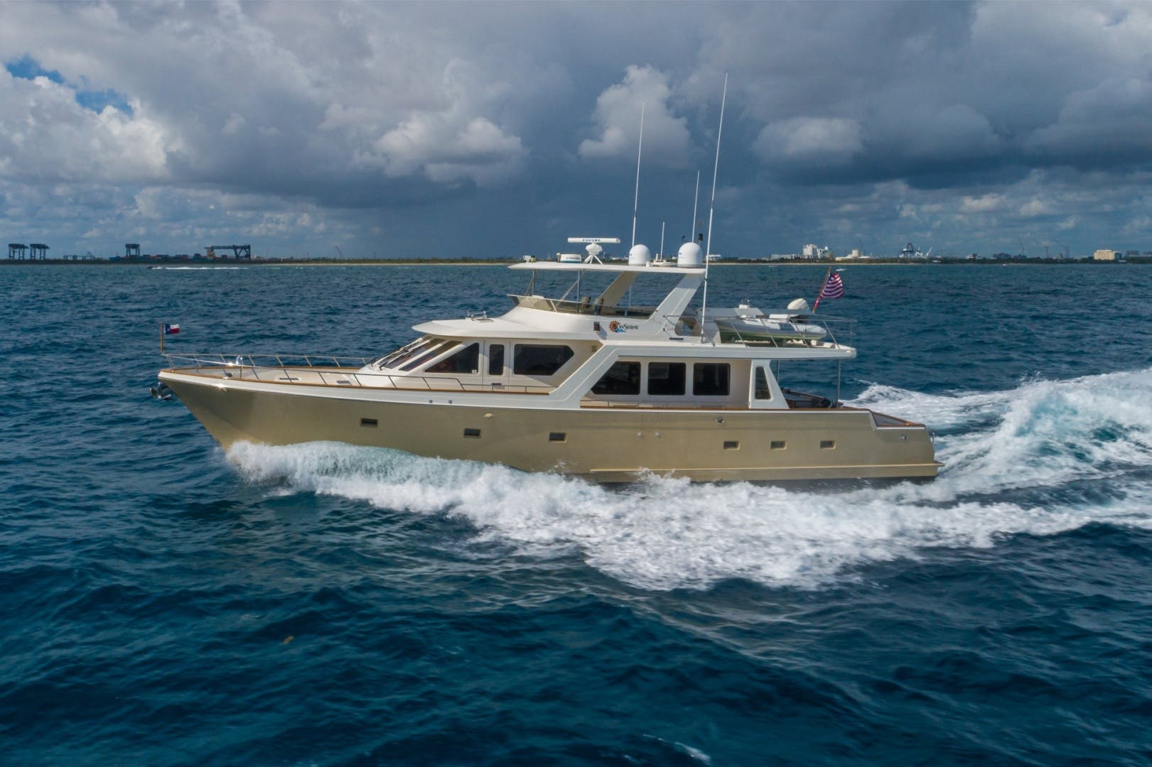 2006 Offshore 72'  Sunshine | Picture 2 of 84