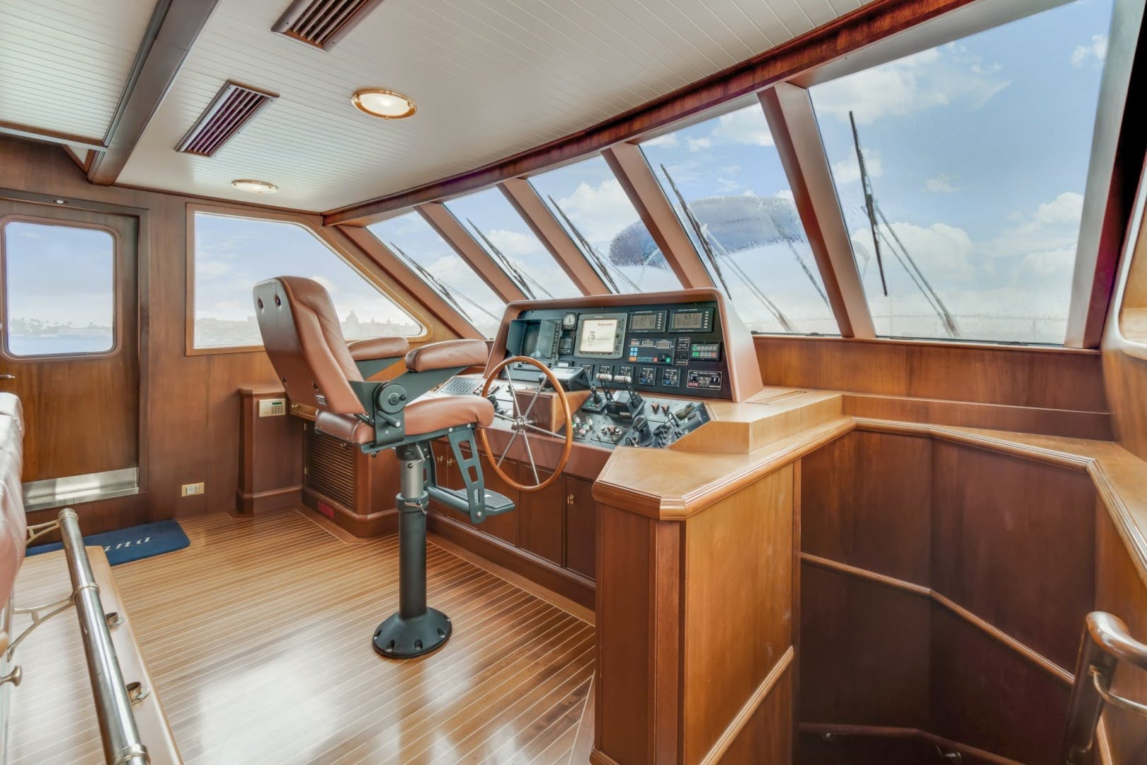 1999 Palmer Johnson 90' Pilothouse  Nirvana | Picture 4 of 70