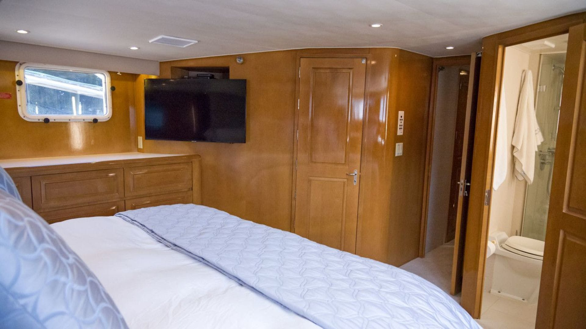 1998 Hatteras 74' Motor Yacht Almost There  | Picture 5 of 53