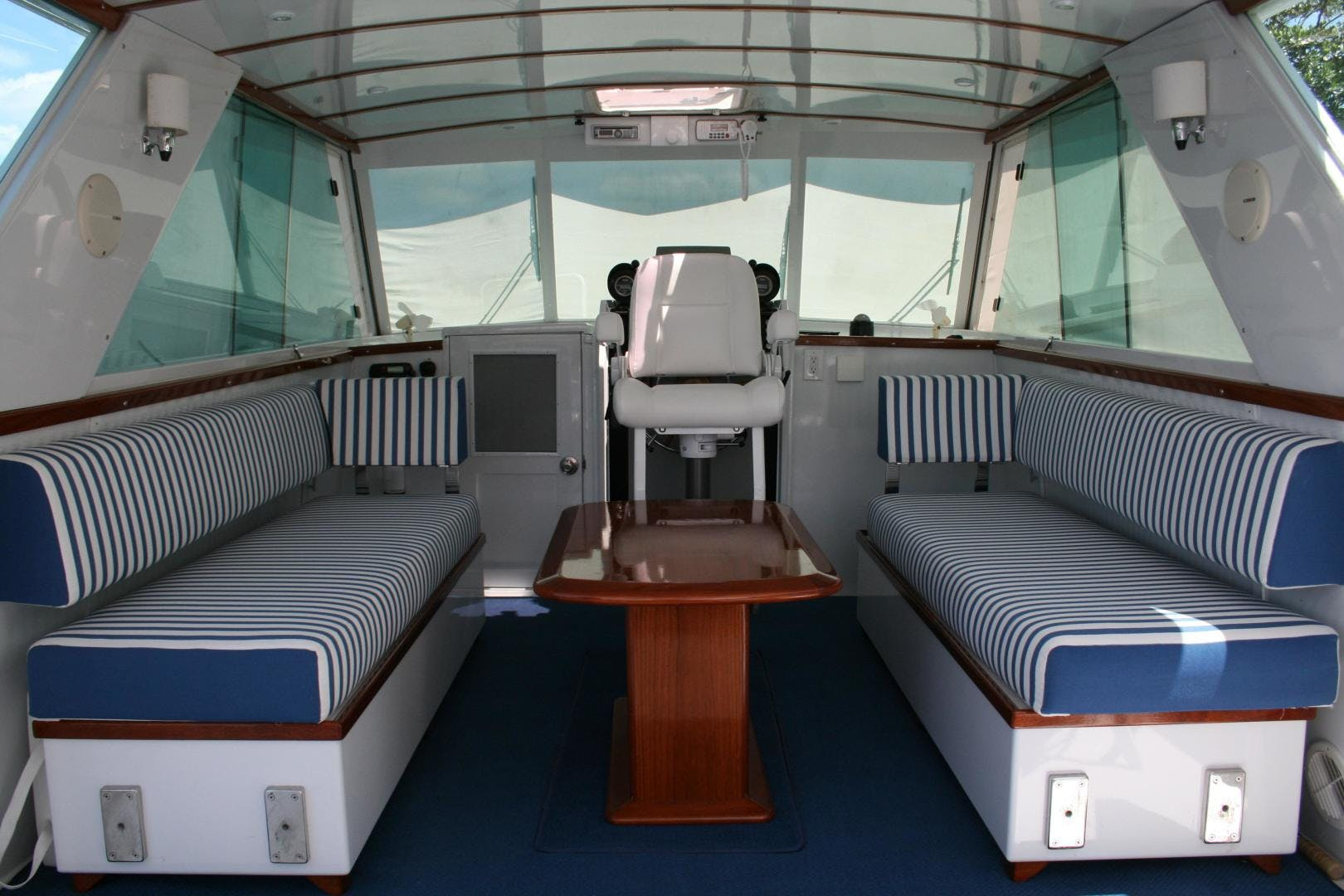 1965 Chris-Craft 38' Commander WINSLOW   Picture 6 of 45
