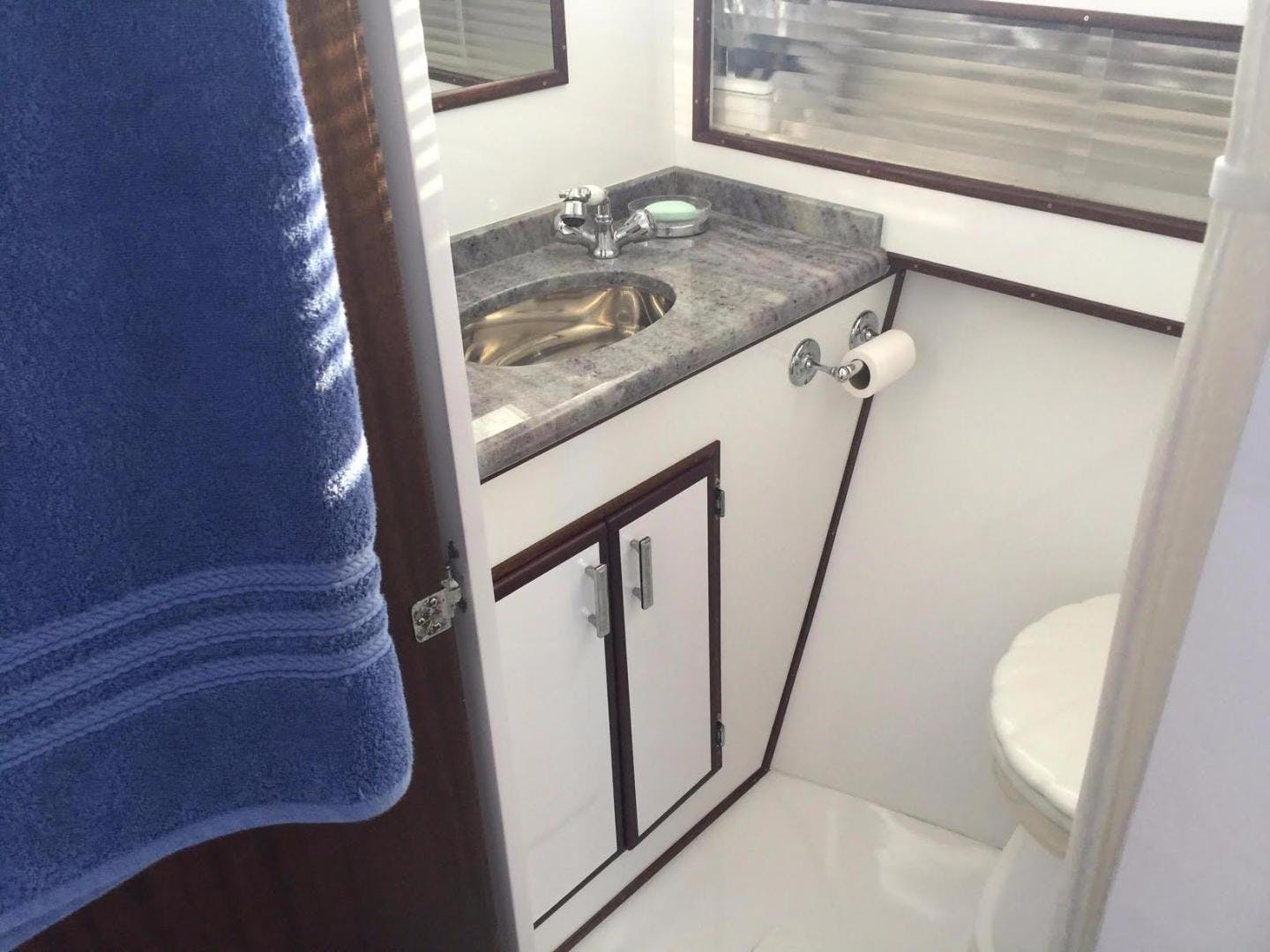 1965 Chris-Craft 38' Commander WINSLOW   Picture 3 of 45