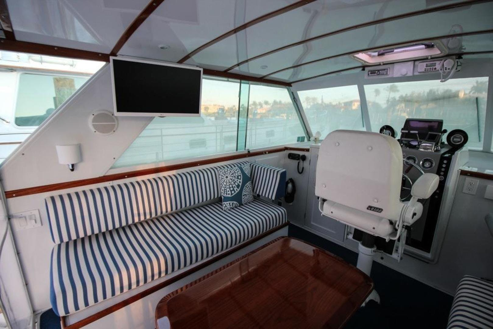 1965 Chris-Craft 38' Commander WINSLOW   Picture 7 of 45