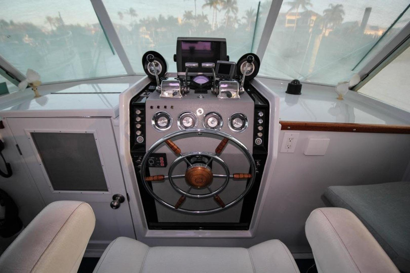 1965 Chris-Craft 38' Commander WINSLOW   Picture 8 of 45