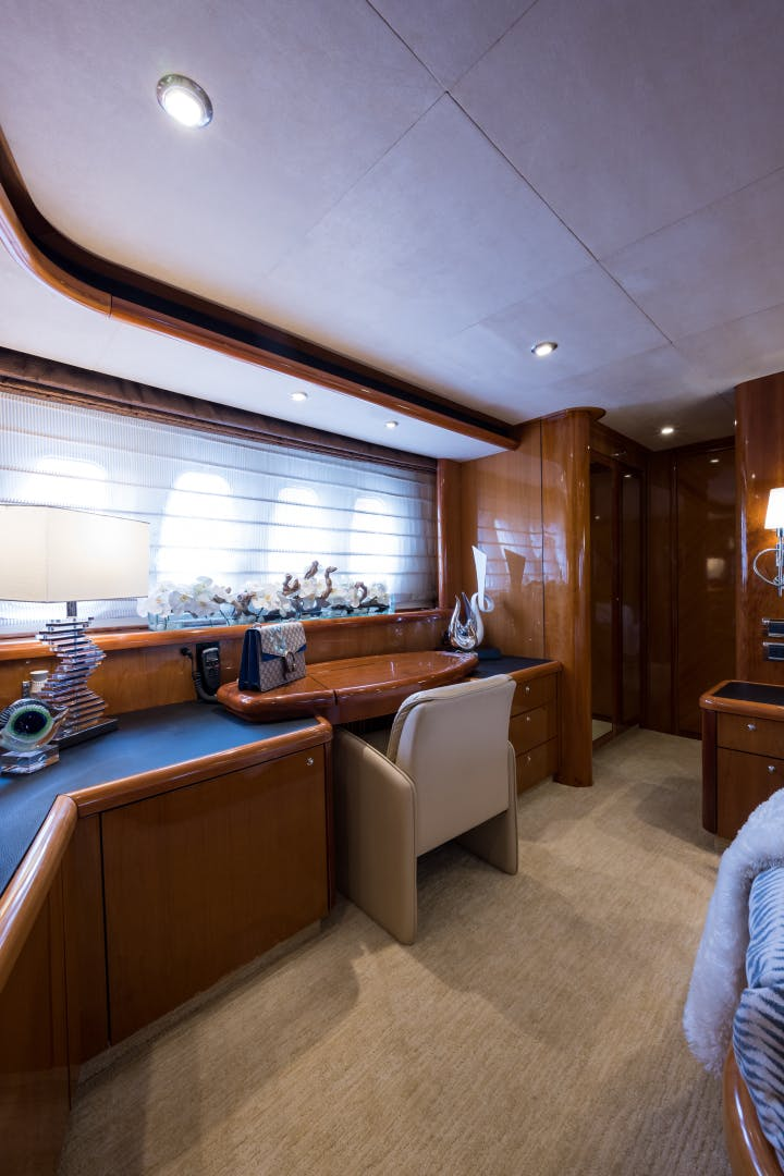 2004 Sunseeker 82' Yacht TOP GUN | Picture 8 of 56