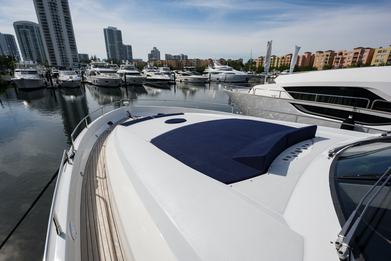 2004 Sunseeker 82' Yacht TOP GUN | Picture 2 of 56