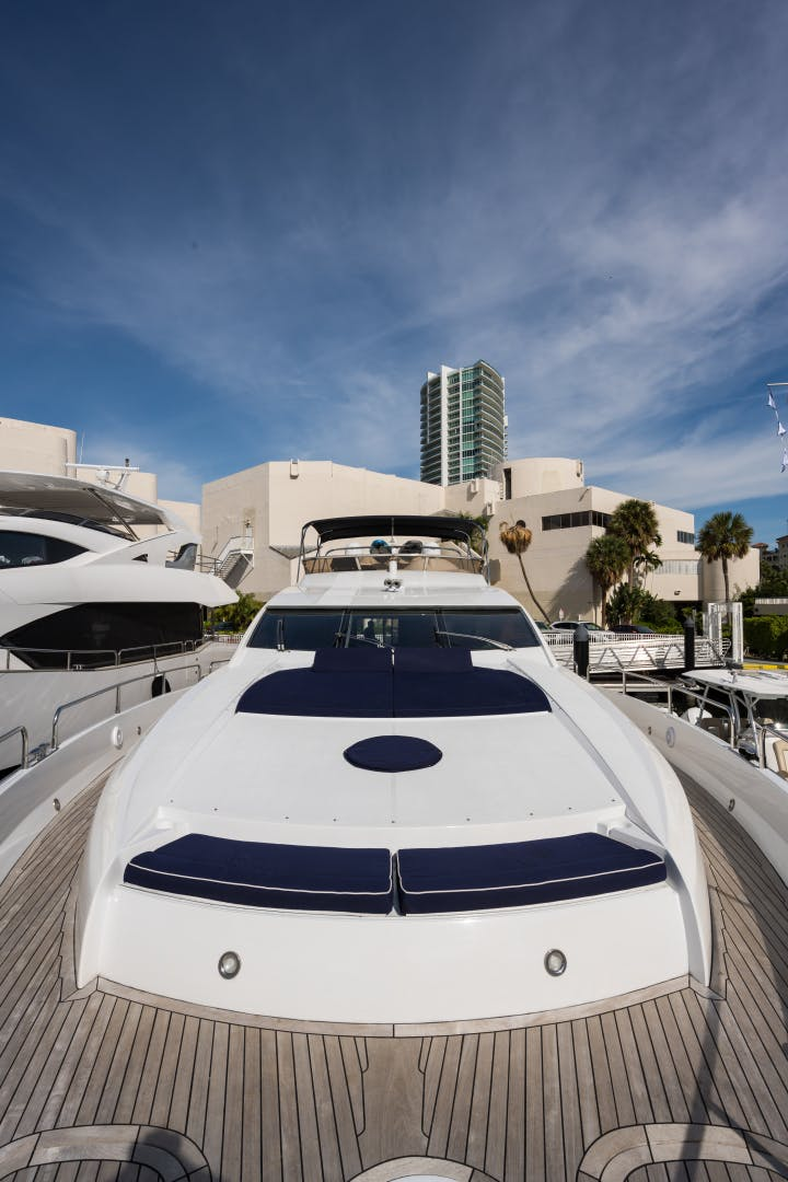 2004 Sunseeker 82' Yacht TOP GUN | Picture 3 of 56