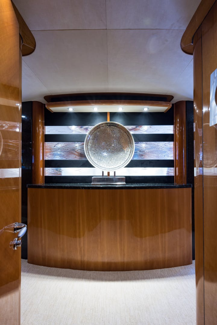 2004 Sunseeker 82' Yacht TOP GUN | Picture 4 of 56
