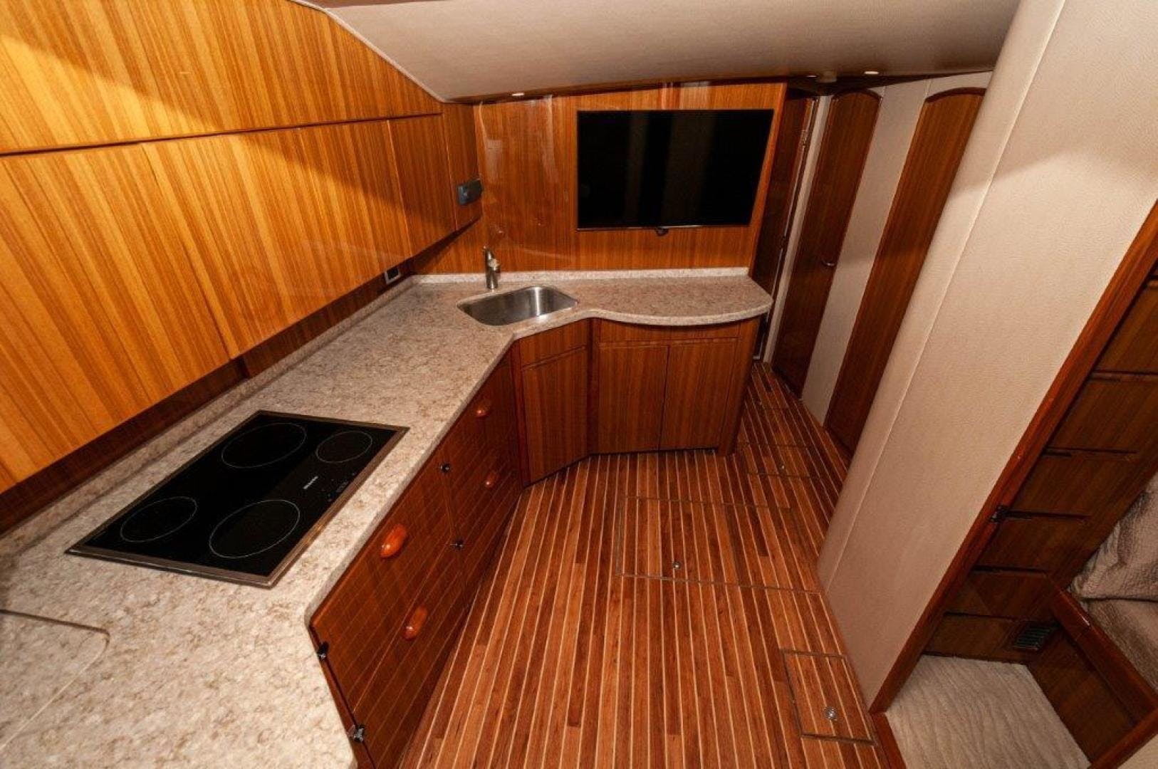 2015 Viking 52' 52 Open Exuma | Picture 5 of 48