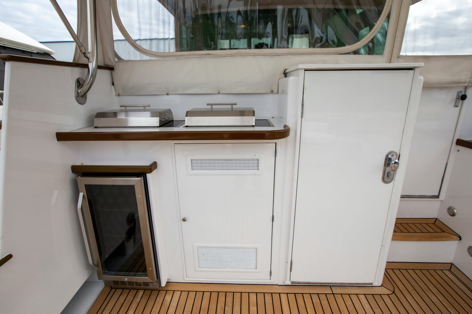 1982 Huckins 78' Motor Yacht Sea Bound | Picture 6 of 76