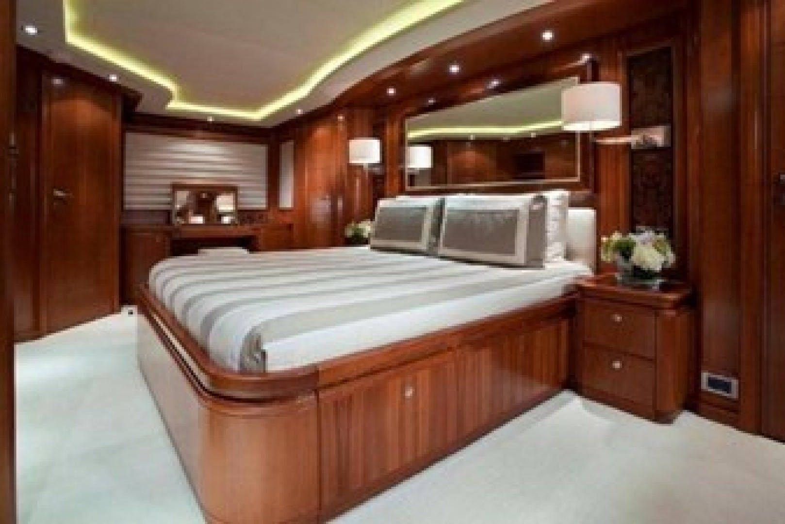 2003 Ferretti Yachts 112' 2004 MAMBO | Picture 6 of 10