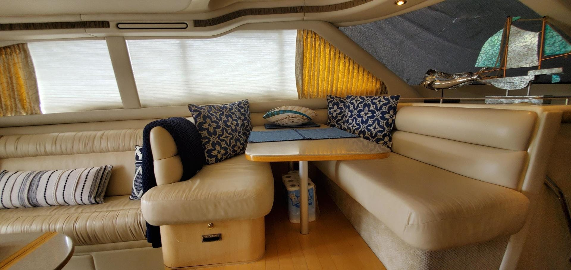 2001 Sea Ray 48'  HAPPY ENDING  | Picture 7 of 93