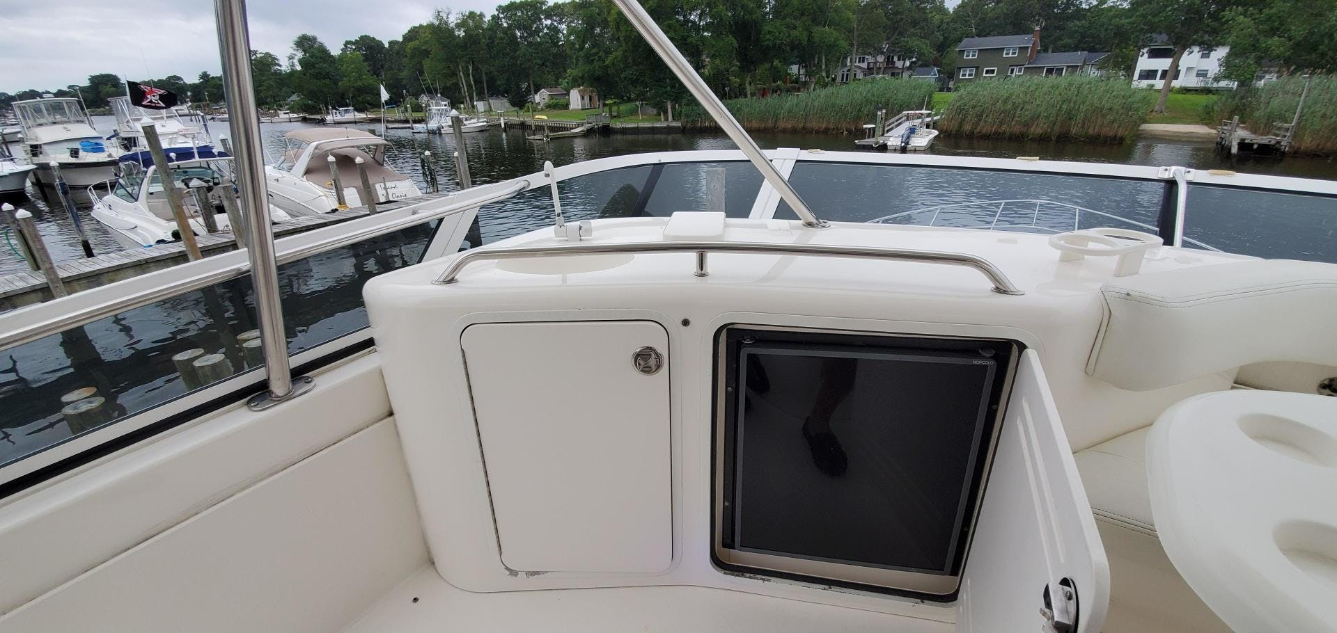 2001 Sea Ray 48'  HAPPY ENDING  | Picture 3 of 93