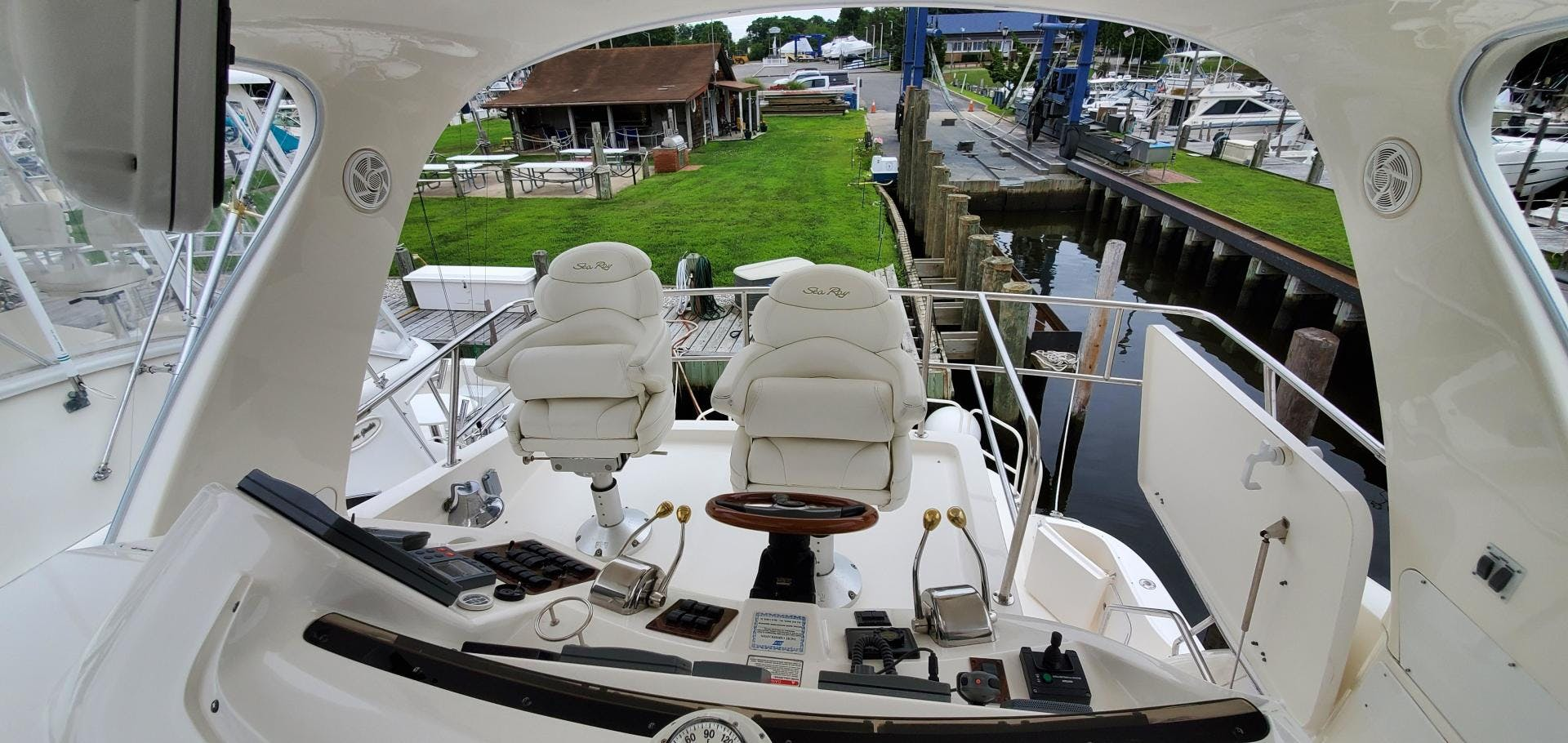 2001 Sea Ray 48'  HAPPY ENDING  | Picture 5 of 93