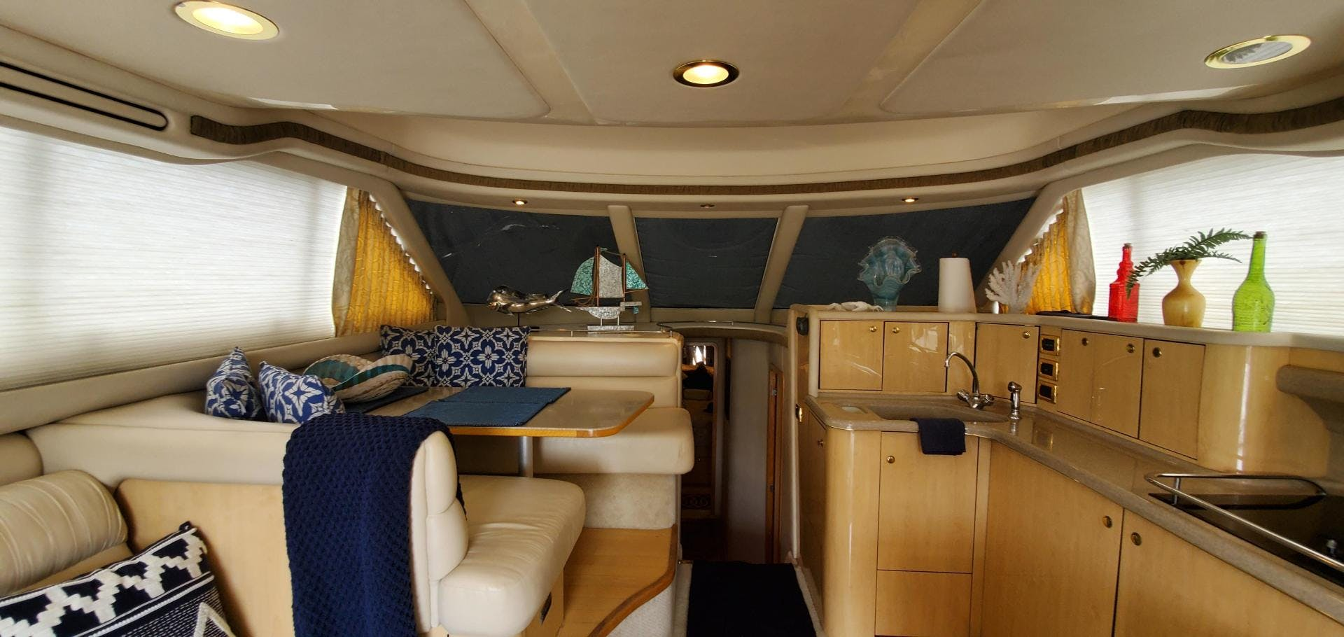 2001 Sea Ray 48'  HAPPY ENDING  | Picture 1 of 93