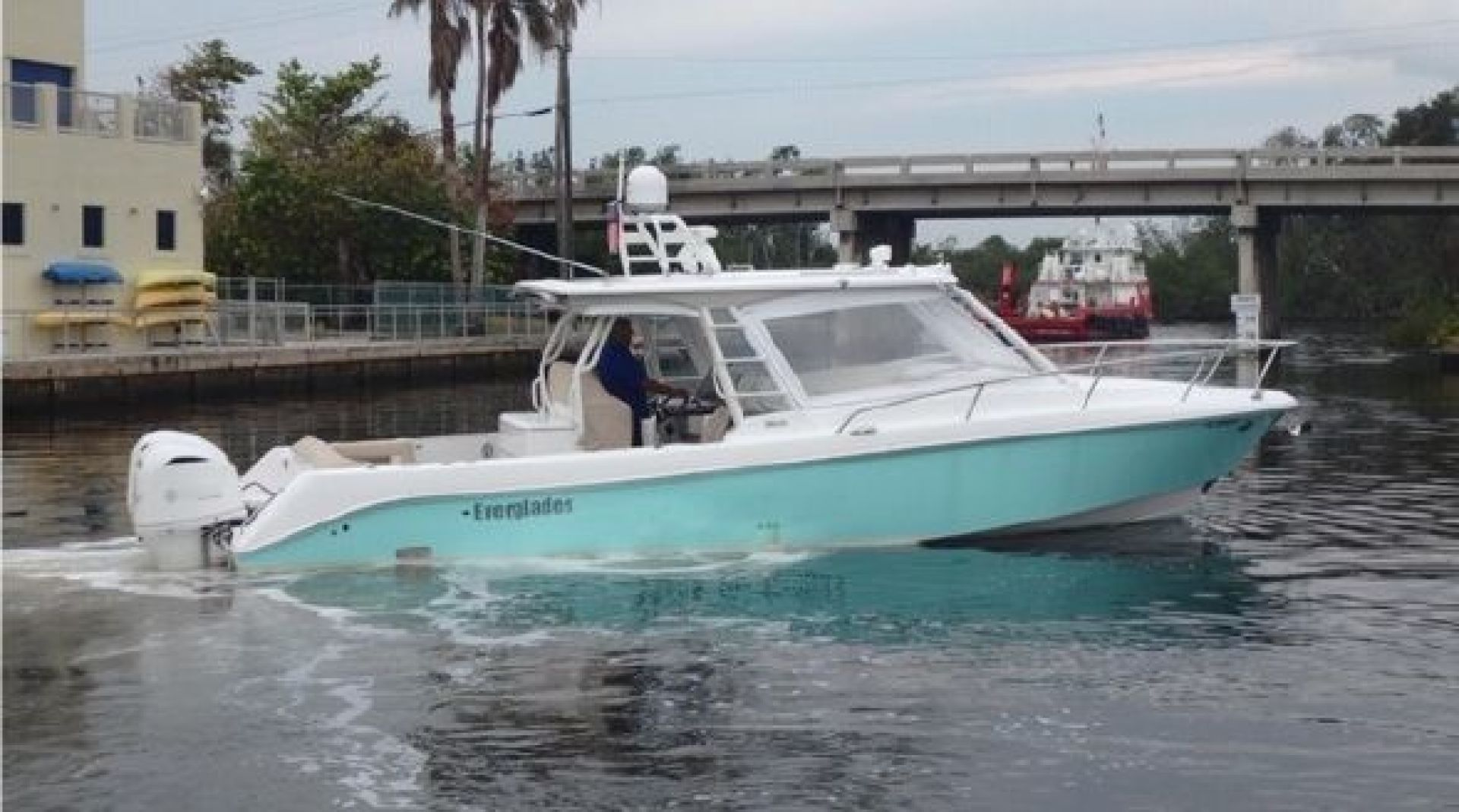 36' Everglades 2017 360LXC Best Deal for a Boat