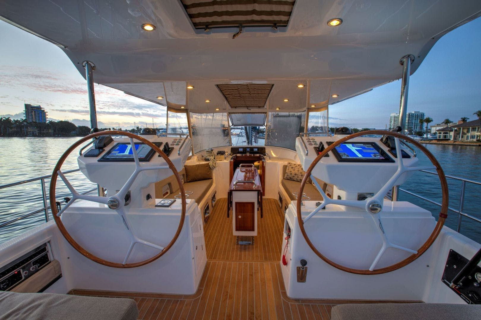 2015 Hylas 70' 70 Innisfree | Picture 5 of 36