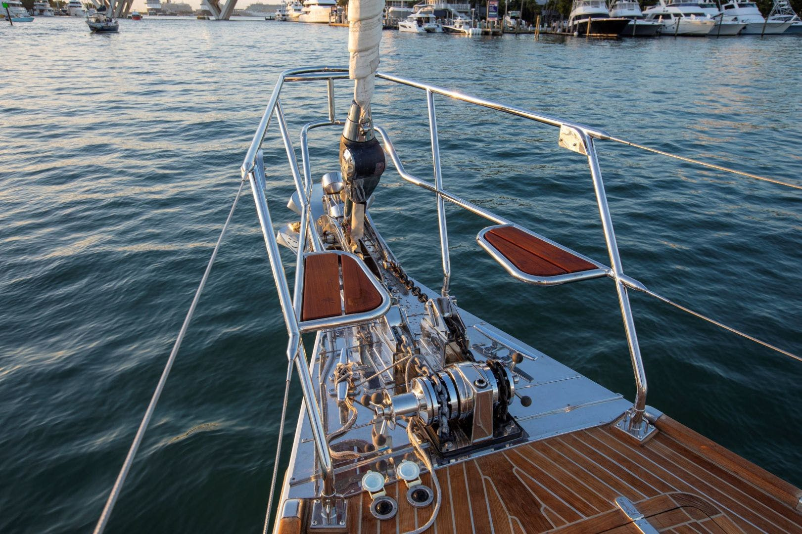2015 Hylas 70' 70 Innisfree | Picture 4 of 36