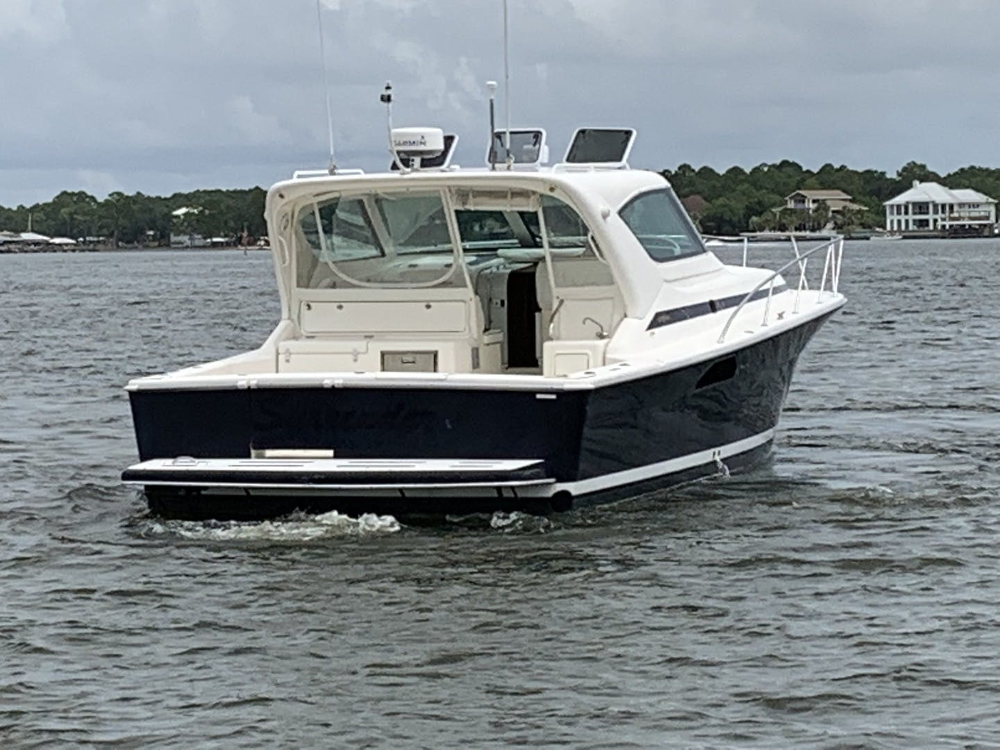 2000 Riviera 40' 4000 Offshore Surrender | Picture 5 of 13