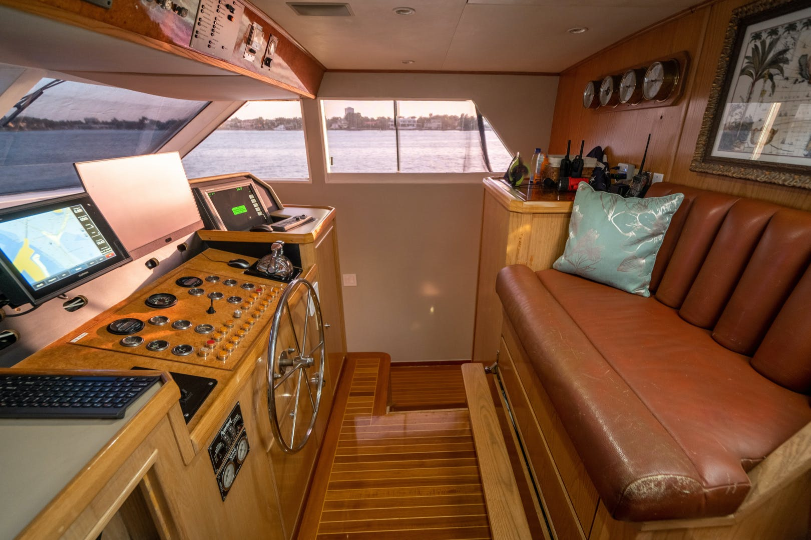1987 Broward 100' 100 Raised Pilot House Center Ring | Picture 8 of 92