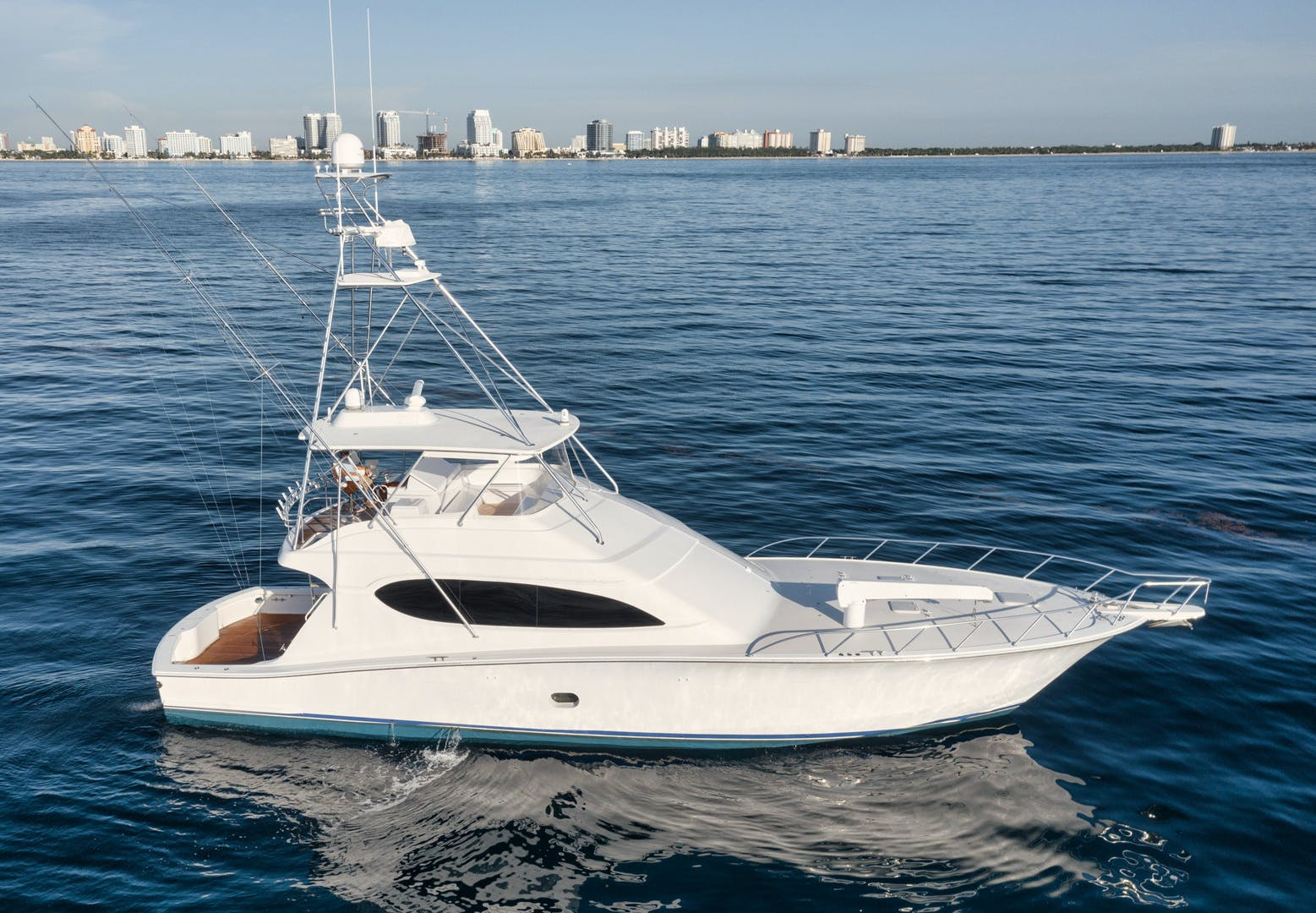 2008 Hatteras 68' 68 Done Deal | Picture 3 of 51