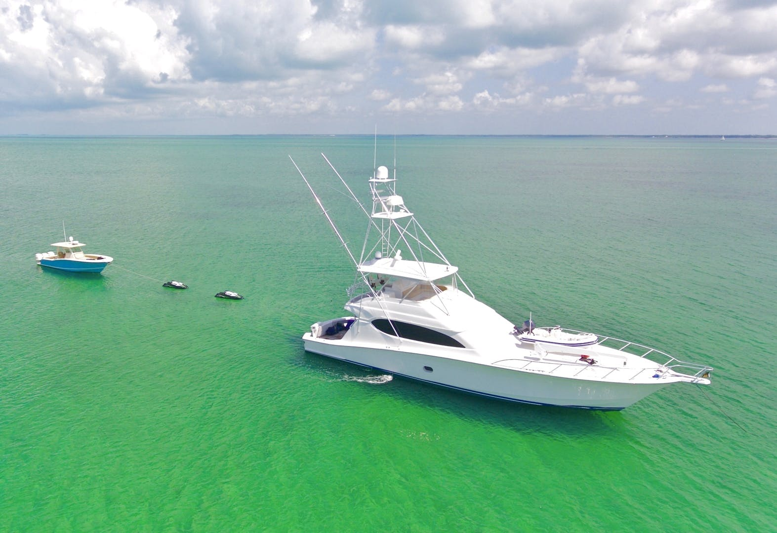 2008 Hatteras 68' 68 Done Deal | Picture 2 of 51