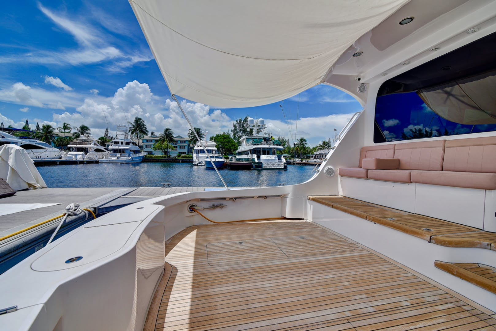 2008 Hatteras 68' 68 Done Deal | Picture 4 of 51