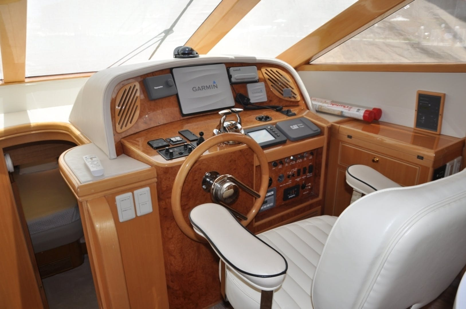 2003 McKinna 58' 58 La Linda Vida | Picture 8 of 29
