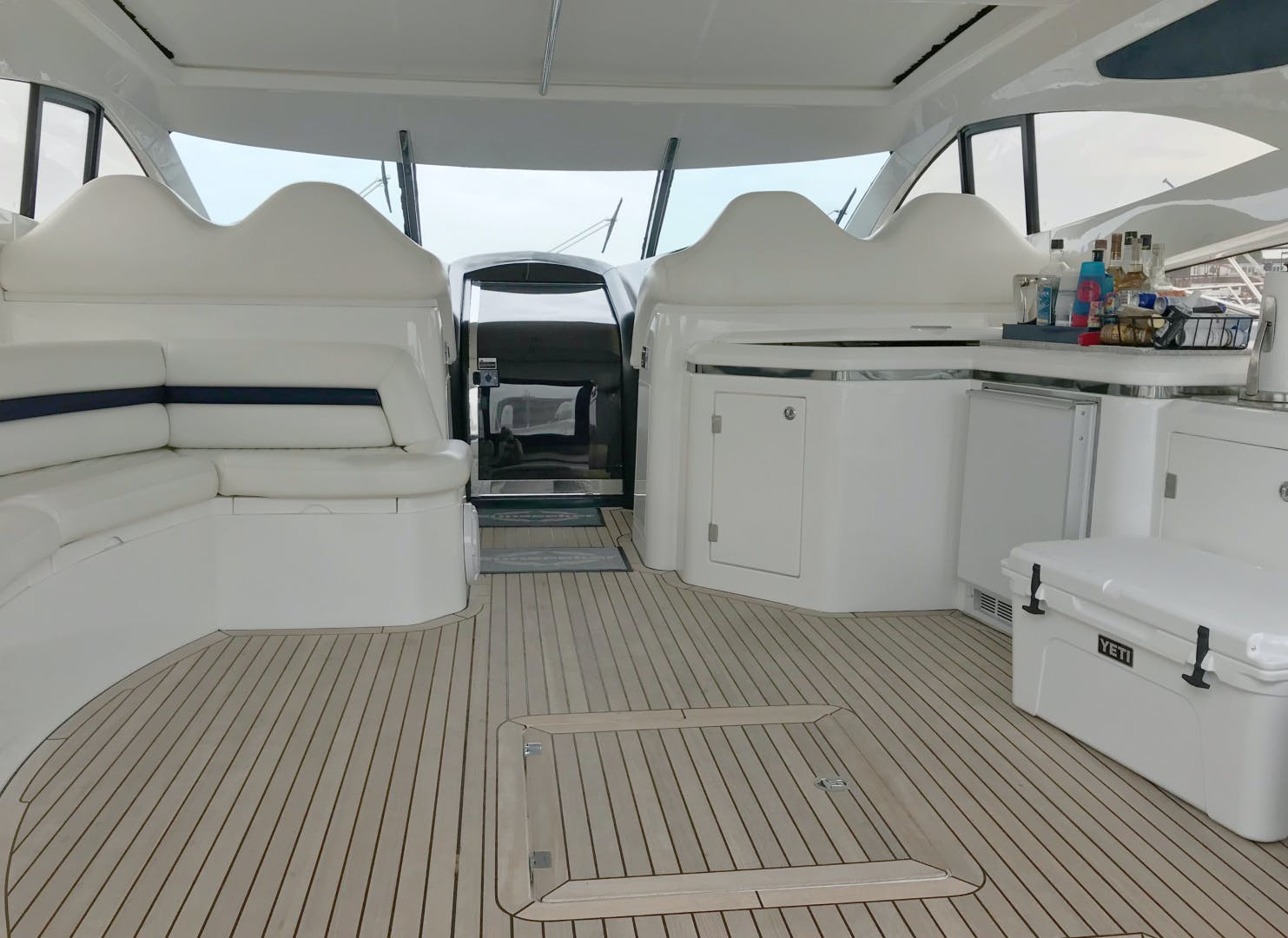 2006 Sunseeker 68' Predator  | Picture 6 of 15