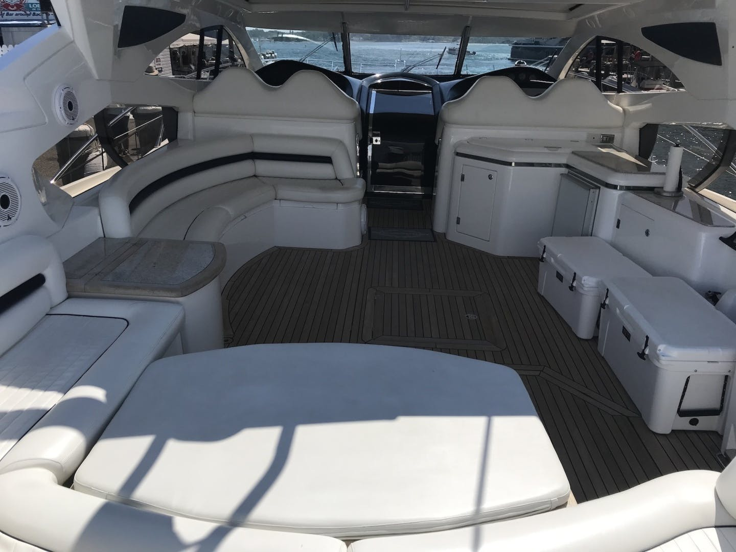 2006 Sunseeker 68' Predator  | Picture 5 of 15