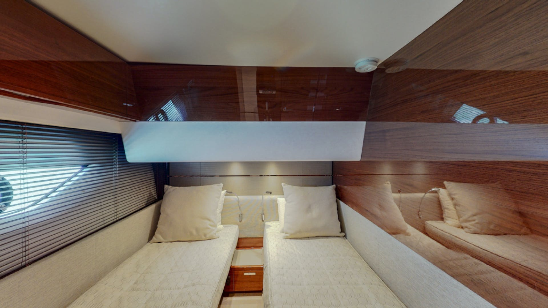 2018 Princess 65'  THAI R UP | Picture 6 of 33