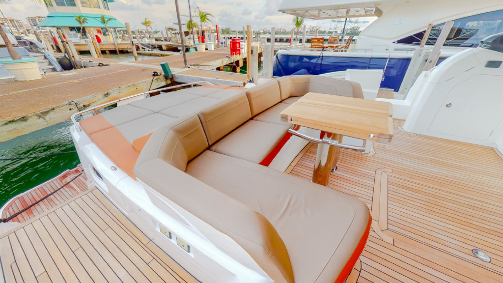 2018 Princess 65'  THAI R UP | Picture 8 of 33