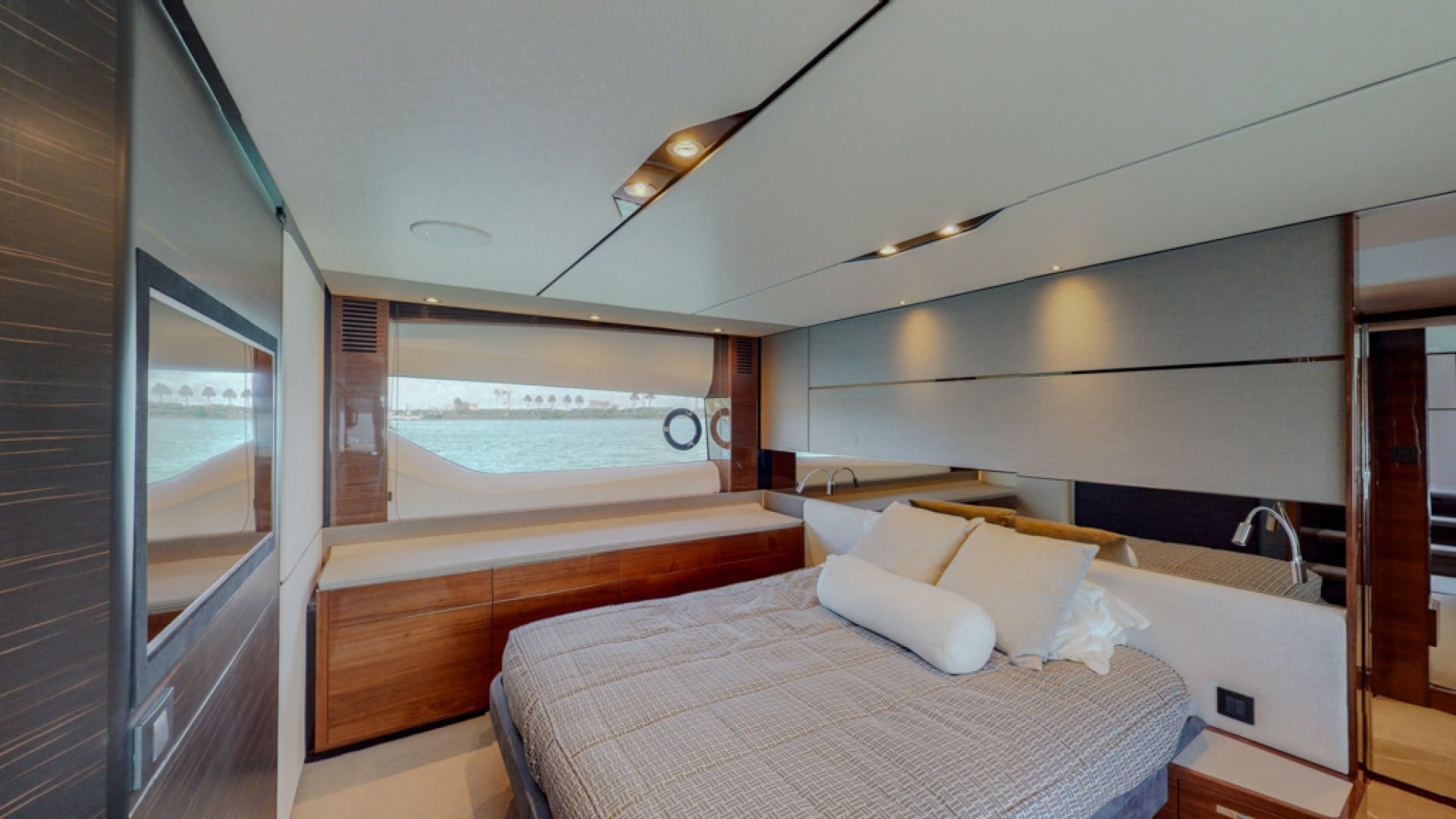 2018 Princess 65'  THAI R UP | Picture 5 of 33