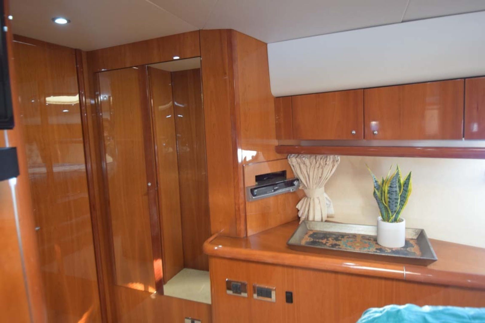 2003 Sunseeker 68' Predator Low Profile | Picture 7 of 73