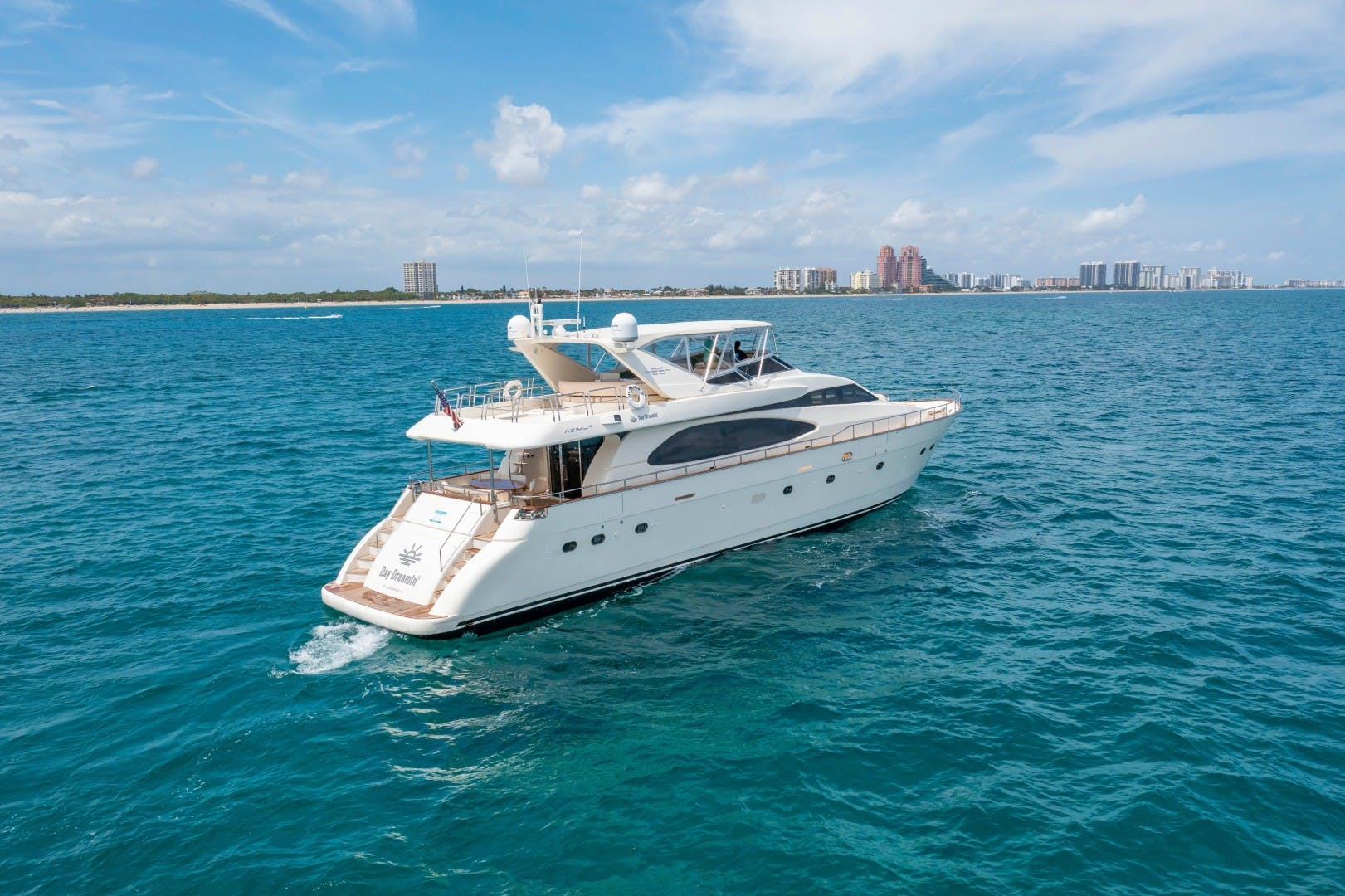 2007 Azimut 85' Ultimate DAY DREAMIN' | Picture 2 of 52