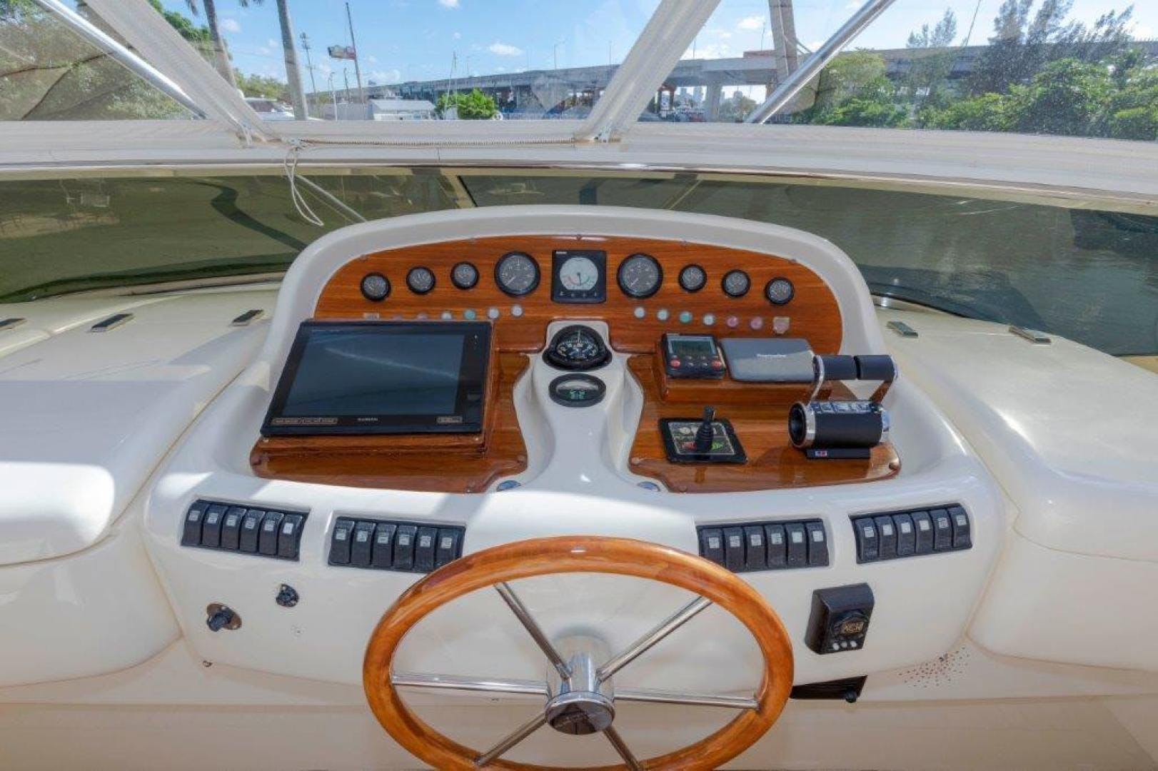 2007 Azimut 85' Ultimate DAY DREAMIN' | Picture 3 of 52