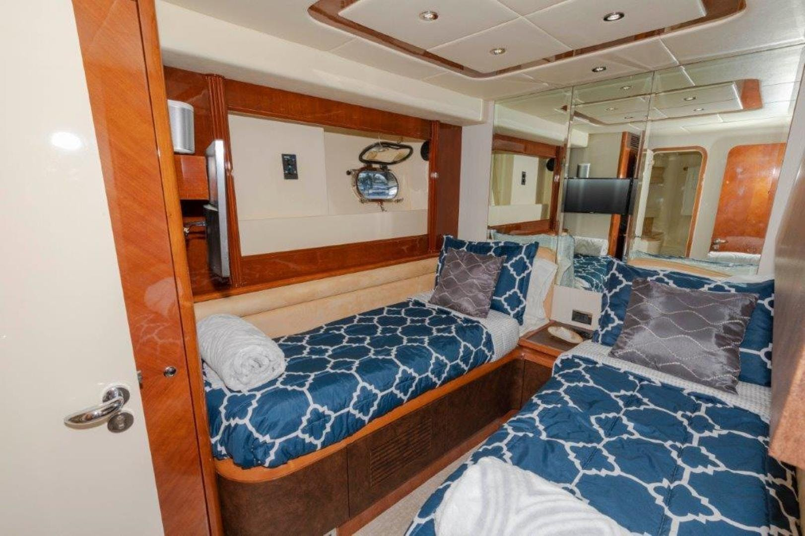 2007 Azimut 85' Ultimate DAY DREAMIN' | Picture 6 of 52