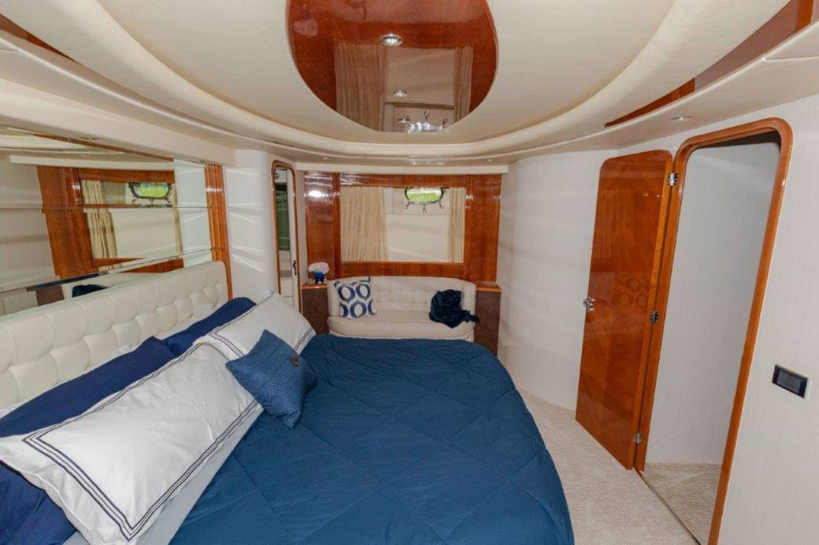 2007 Azimut 85' Ultimate DAY DREAMIN' | Picture 8 of 52