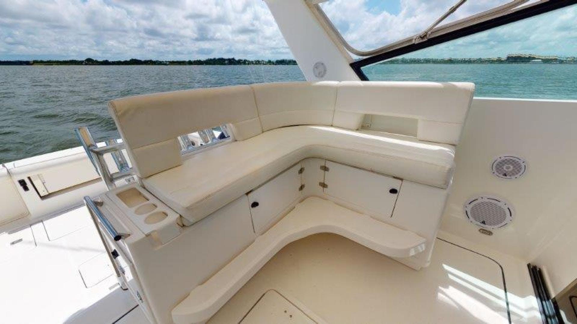 2000 Tiara Yachts 41' 4100 Open Sans Peur | Picture 8 of 28