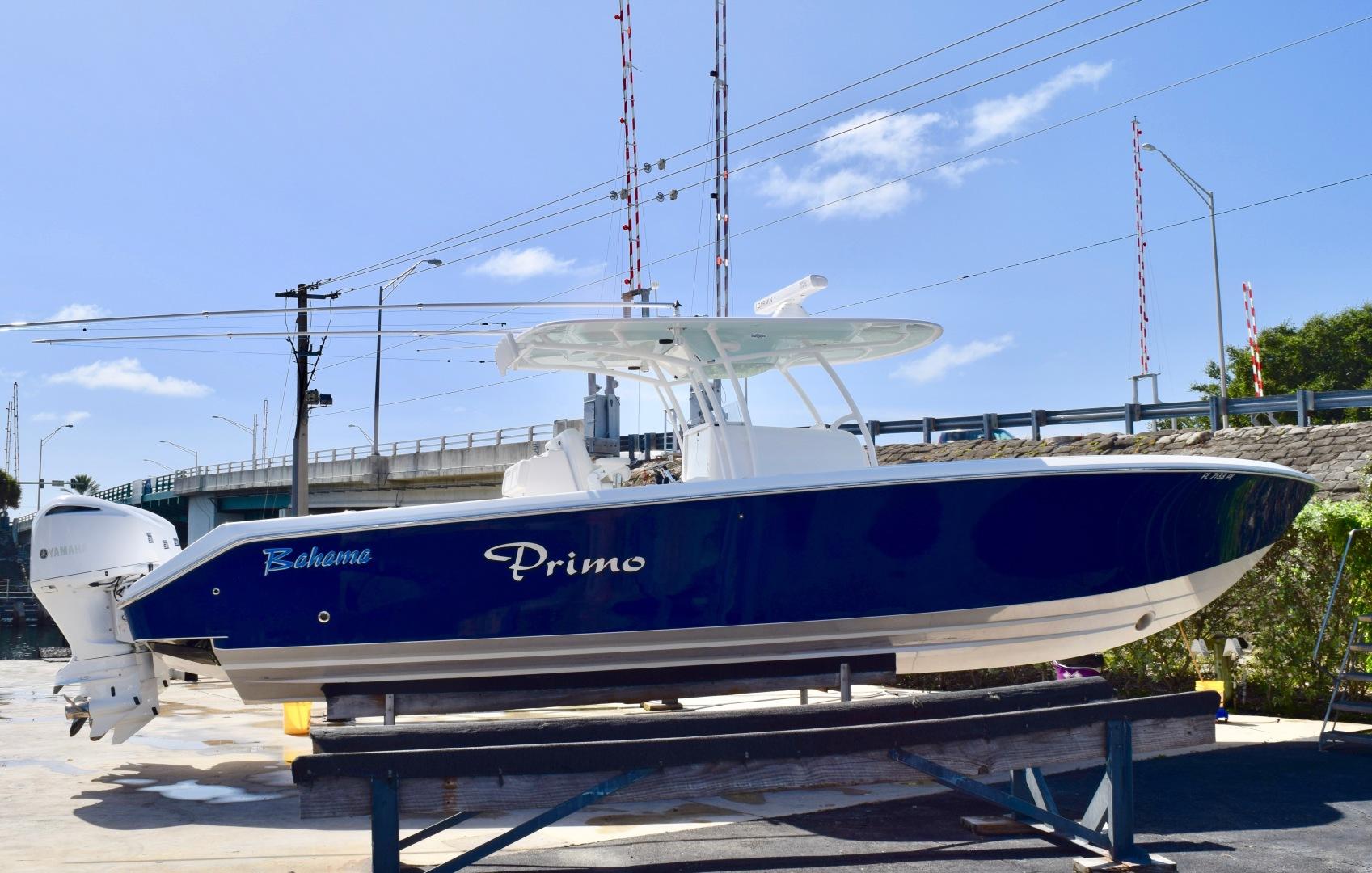 37' Bahama 2012 37