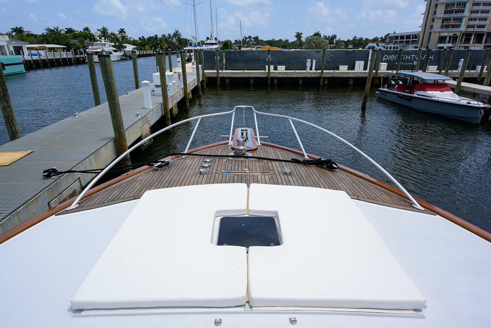 2005 Sea Force IX 81' Enclosed Flybridge  | Picture 8 of 43