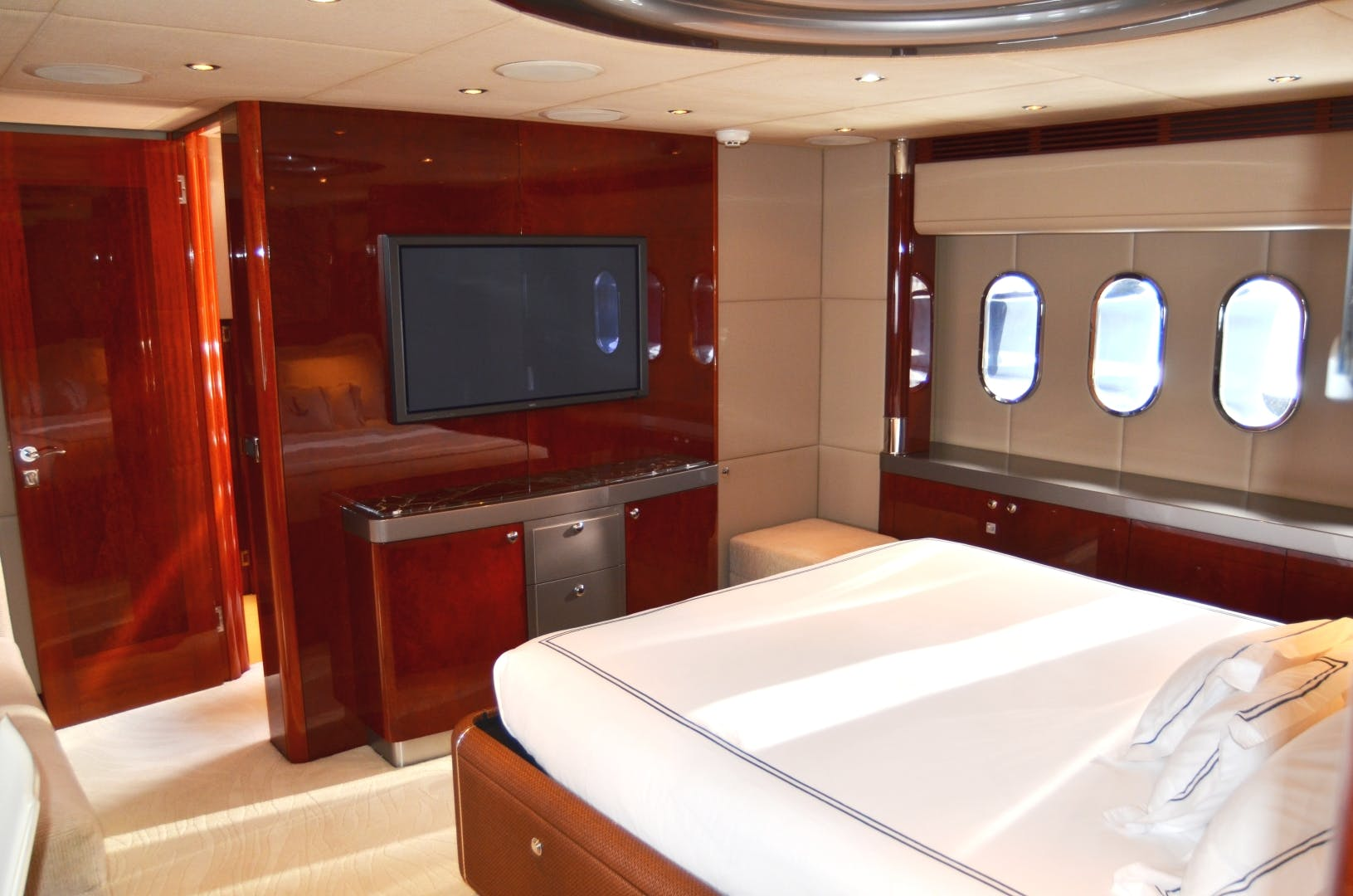 2007 Warren Yachts 87' Express Cruiser ANDIAMO | Picture 2 of 22