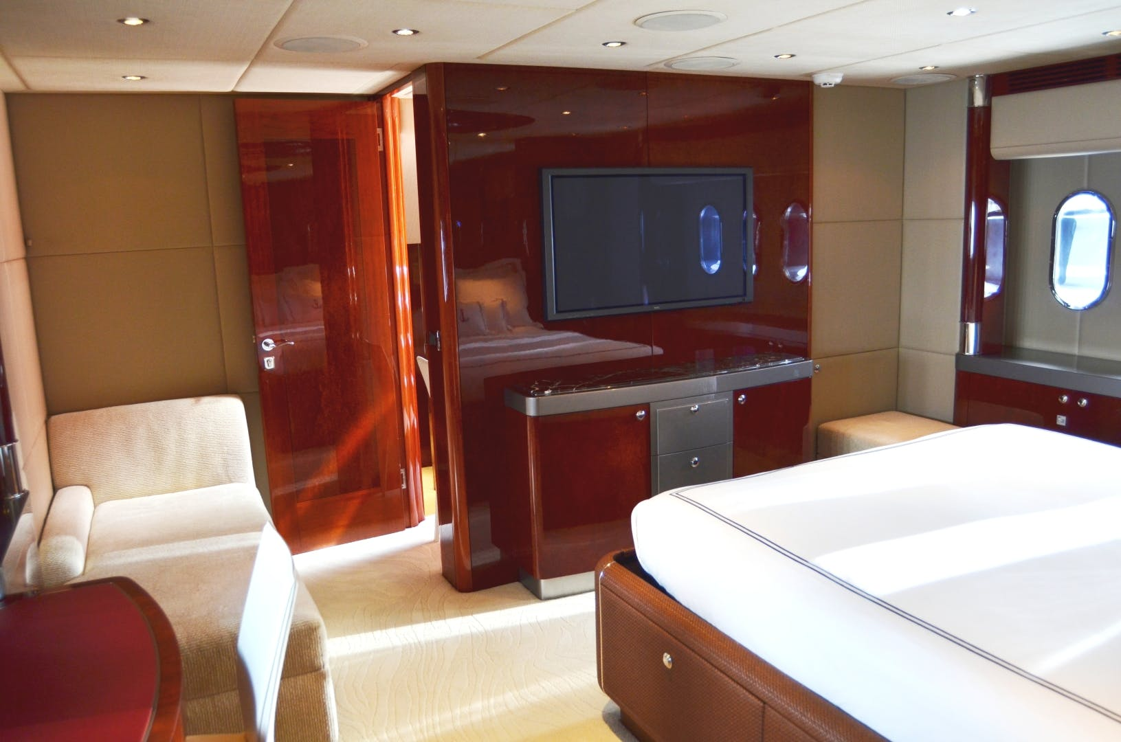 2007 Warren Yachts 87' Express Cruiser ANDIAMO | Picture 7 of 22