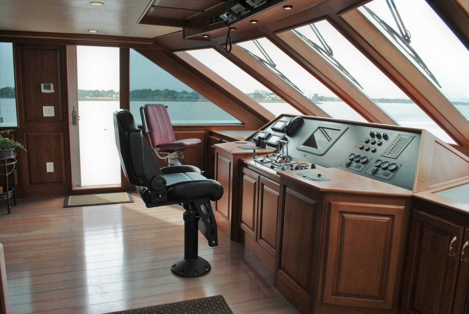 2006 Voyager 87' Tri-deck JENNY LYNNE   Picture 5 of 29