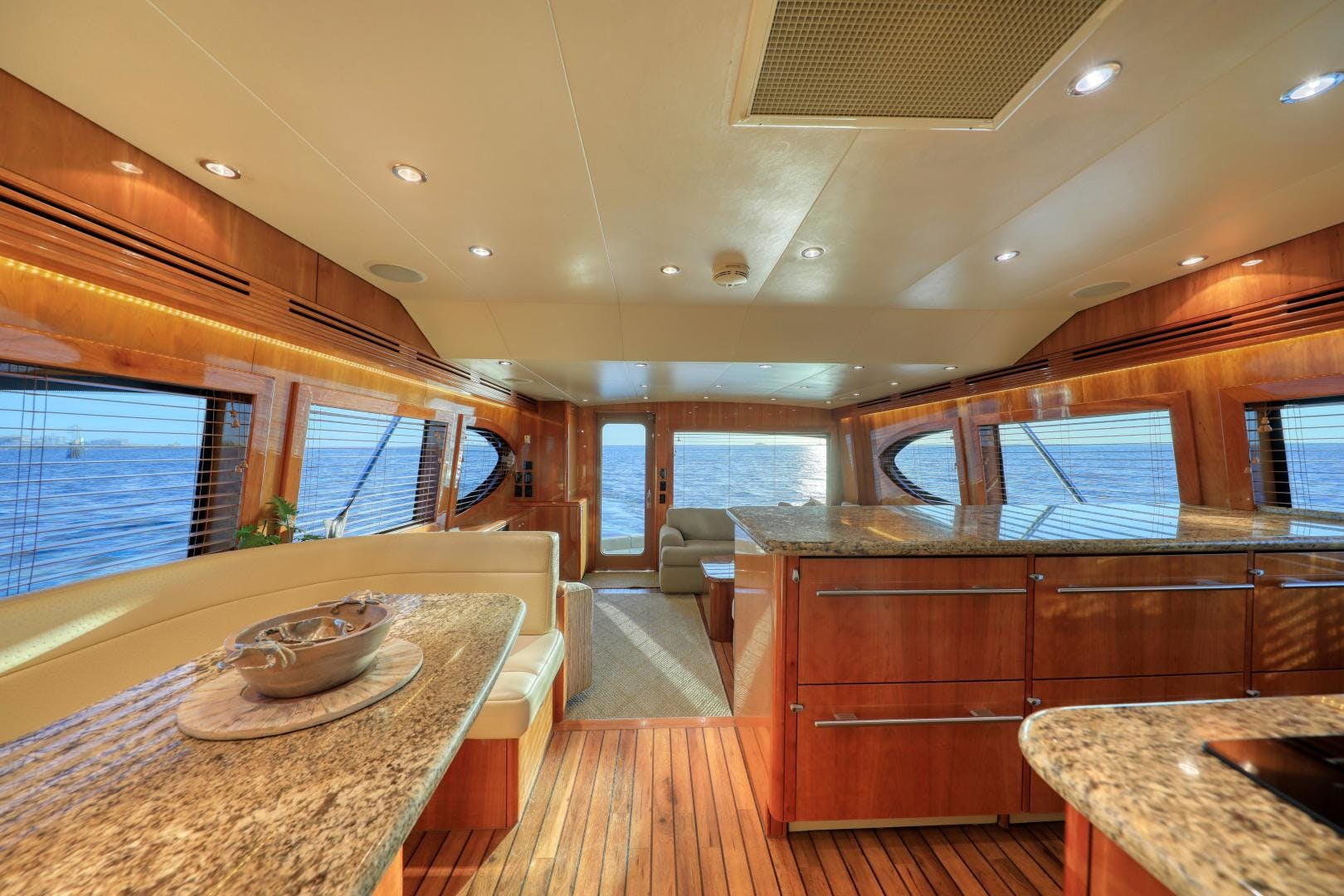 2006 Hatteras 64' Convertible ON TARGET | Picture 8 of 114